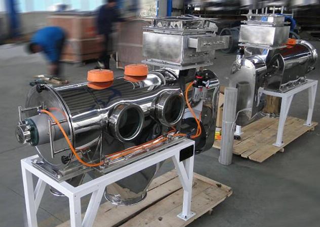 磨料行业之碳酸钙专用卧式气流筛发货四川!